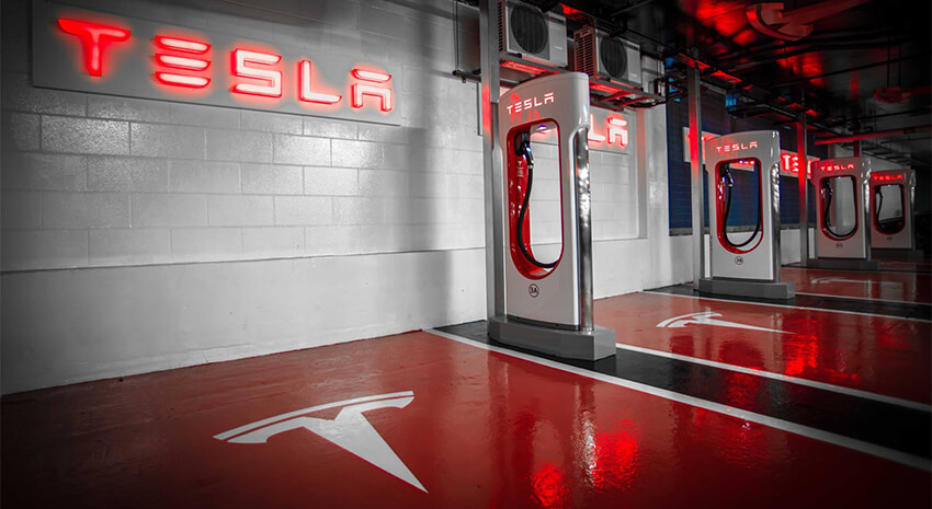 TESLA MOTORS : Superchargers payants
